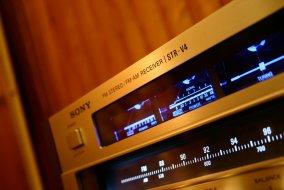 Sony STR-V4